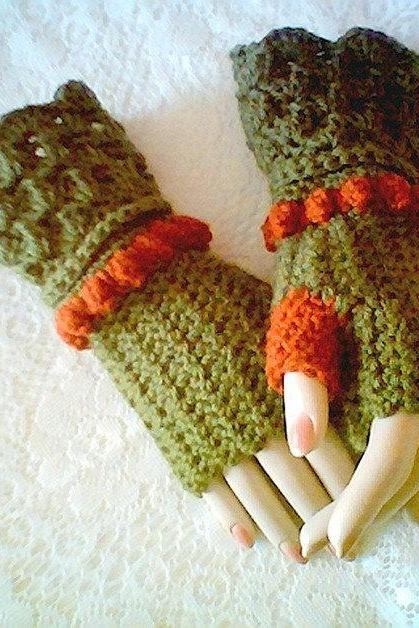 Autumn Fingerless Glove Pattern Winter Fashion Accessories by CarussDesignZ 0015