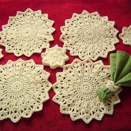 Home Decor Pattern 3PC Snowflake Place Mat Set by CarussDesignZ